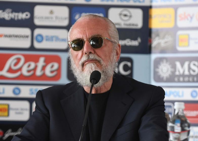 Prezes Napoli: Nie rozumiem, dlaczego mamy grać w Barcelonie, skoro miasto ma problemy