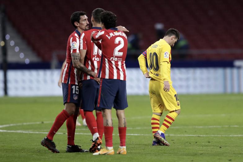 Barcelona przegrywa, Piqué i Roberto kontuzjowani