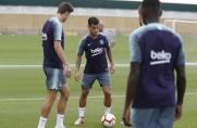 Trening regeneracyjny piłkarzy pierwszego zespołu z udziałem graczy Barçy B