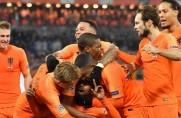Holendrzy z Cillessenem w bramce wygrali z mistrzami świata; Brazylia z Arthurem pokonała Urugwaj Luisa Suáreza [WIDEO]