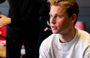 Matka de Jonga: Frenkie nie podejmuje nieprzemyślanych decyzji, choćby ze względu na pieniądze