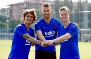Pierwszy trening FC Barcelony w presezonie 2019/2020 z udziałem de Jonga i Griezmanna