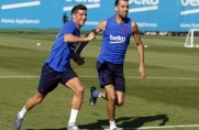 Ośmiu zawodników Barçy B na porannym treningu