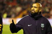 Arturo Vidal pozostaje spokojny mimo nadmiaru pomocników w Barcelonie i plotek o jego odejściu