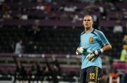 Víctor Valdés tłumaczy się z czerwonej kartki i przygotowuje się na mecz z Borussią Dortmund