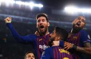 Leo Messi i Luis Suárez żegnają Arturo Vidala