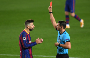 Dlaczego Gerard Piqué otrzymał czerwoną kartkę w meczu z Ferencvárosi?